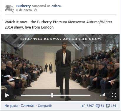 En la parte superior del vídeo emitido en directo a través de Facebook, el rótulo que informaba a los seguidores de Burberry de que al término del desfile podían comprar la colección online.