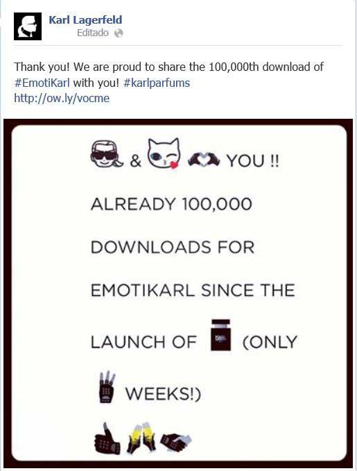 Karl Lagerfeld compartiendo con sus fans de Facebook el éxito de su aplicación para móvil.